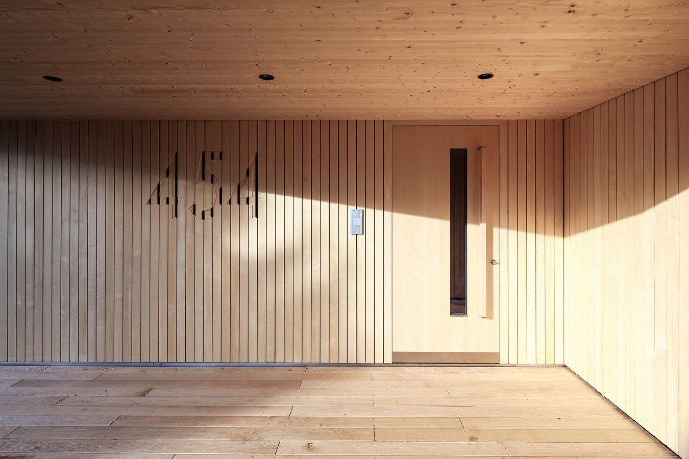 House-on-the-mountain-by-Juri-Troy-Architects-5