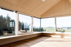 House-on-the-mountain-by-Juri-Troy-Architects-7