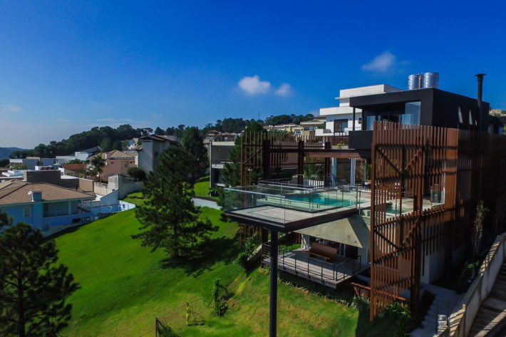 Mirante House by FGMF Architects